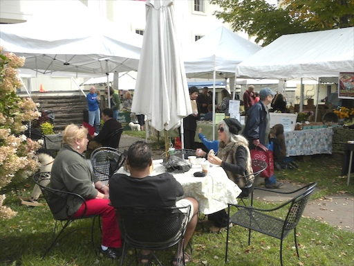 Sunday Brunch at the Franklin Farmers'  Market